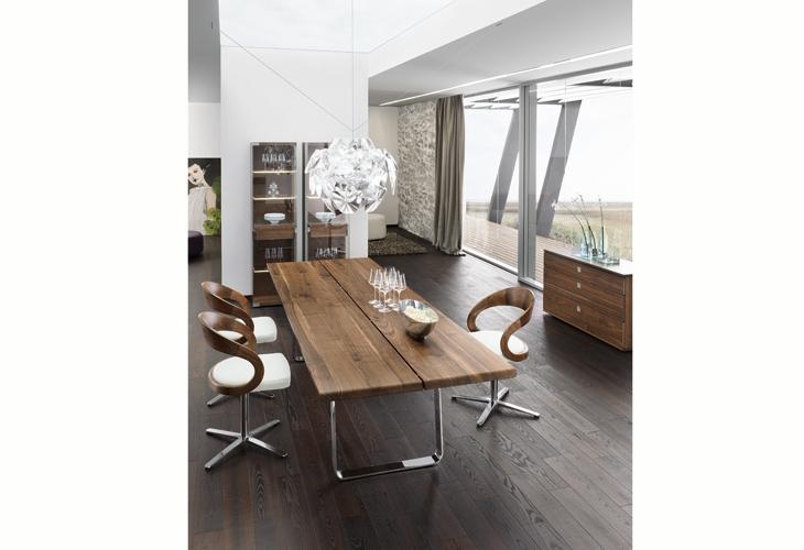 team 7 in stuttgart gr te ausstellung der naturholzm bel. Black Bedroom Furniture Sets. Home Design Ideas